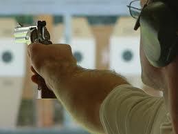 Appartenir à un club de tir ne garantit pas l'autorisation de détenir une arme