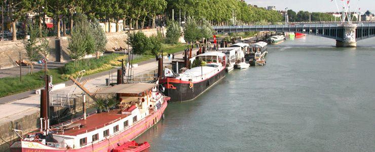 VEBER ASSOCIES assure la défense du propriétaire de la péniche du port Edouard Herriot