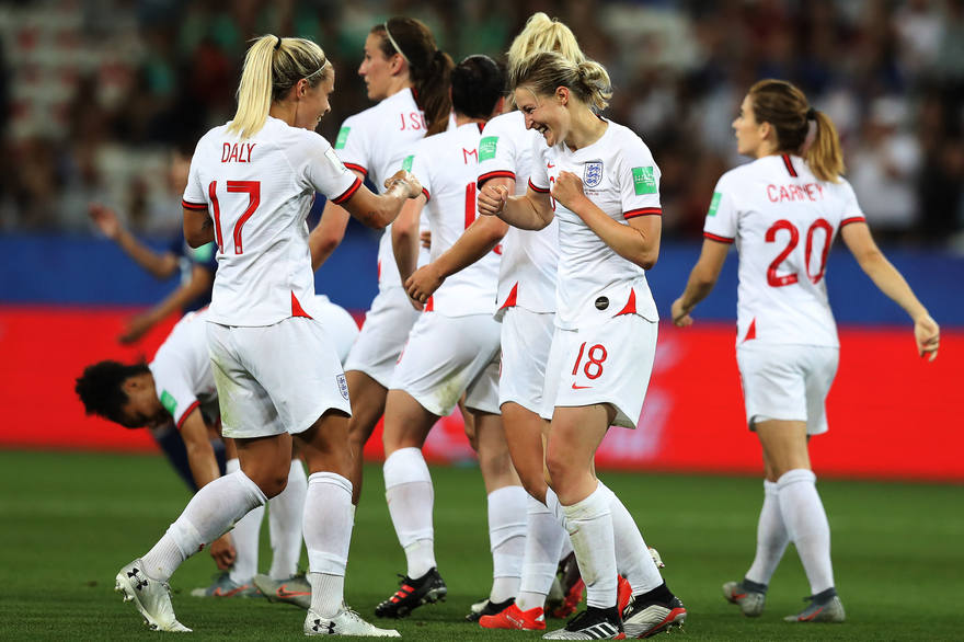 Le football féminin anglais va prendre un nouveau virage!