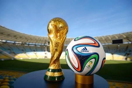 Une Coupe du Monde de football tous les deux ans : bon ou mauvais calcul ?